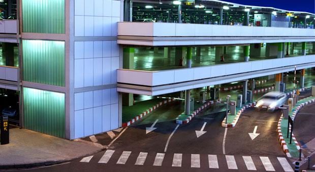Günstig parken am Flughafen